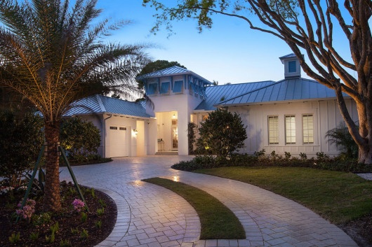 Custom Homes: The Anguilla in Old Naples