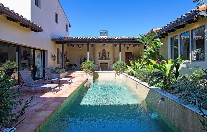 Chianti Courtyard