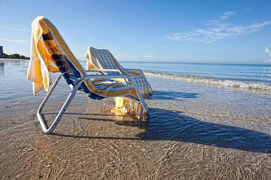 Luxury Living: Naples beaches