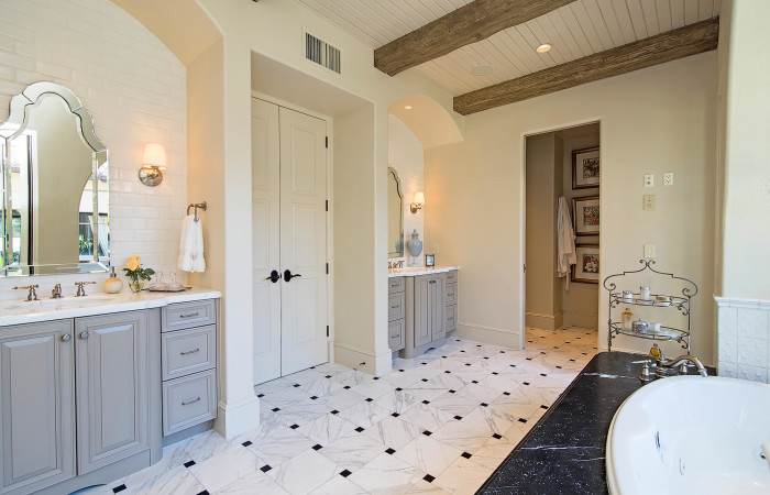 chianti-iii-traditional-bath-at-grey-oaks-700x450.jpg
