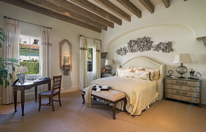 chianti-iii-traditional-bedroom-at-grey-oaks-700x450.jpg