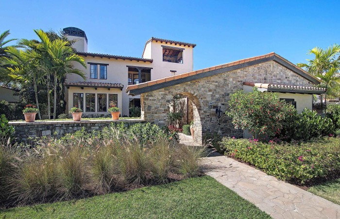 chianti-iii-traditional-exterior-at-grey-oaks1-700x450.jpg